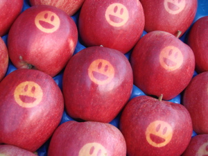 Smiley Apples